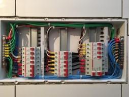 Quadro de distribuição elétrico – Nobel Tijuca – Residencial Solar Duquesa Maria Amalia – Quadra da Unidade Tipo